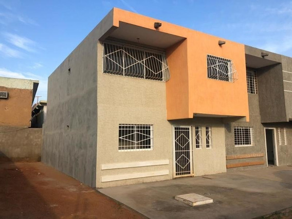 Se Vende Townhouse Mls #20-6733