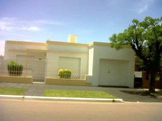 Casa 3 Dorm. 2 Baños, Cocina Comedor, Living, Cochera, Patio