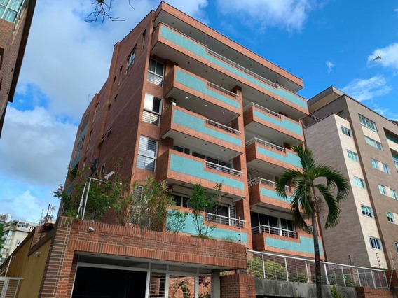 Apartamento En Venta Los Naranjos De Las M. Código 20-9556
