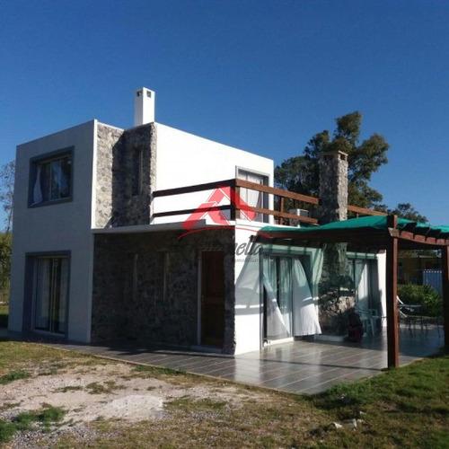 Venta De Casa 2 Dormitorios En La Barra, El Tesoro- Ref: 1644