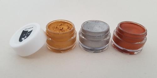 Imagen 1 de 2 de Base Cremosa Maquillaje Titi Kit 3x5gr Neto 15gr - Metal