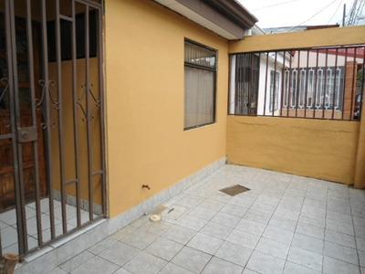 Casa En Condominio. Alquiler.desamparados Remodelada