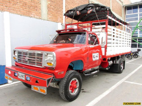 Dodge 300 Camión Estacas
