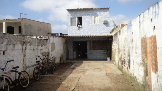 Sobrado À Venda Com Três Dormitórios. Ref. 217 E 279 Cris