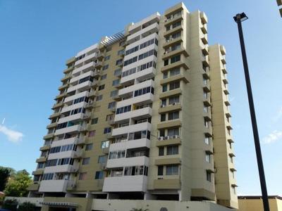 Vendo Apartamento Acogedor En Ph Torres De España, 19-1593