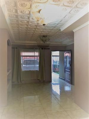 Alquiler Casa En Residencial Los Adobes
