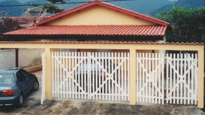 Casa De Praia Em Maranduba Ubatuba P/ Locação De Temporada.