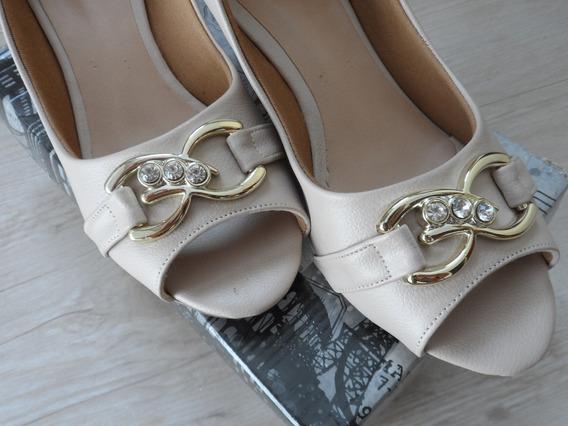 Sapato Scarpin Peeptoe Feminino Dandara - Confira!