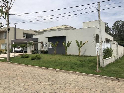 Casa De Condomínio Com 4 Quartos E 6 Banheiros À Venda
