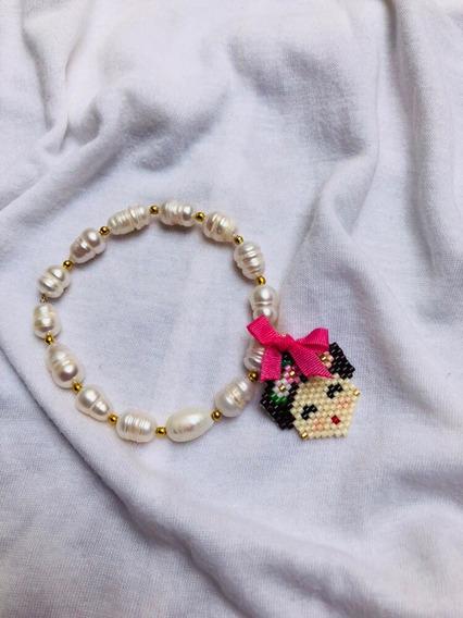 Pulsera De Perlas Con Dije De Muñequita En Delicas Miyuki
