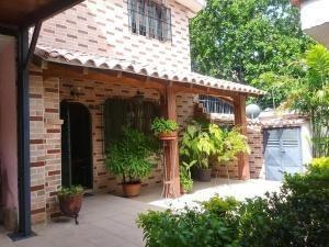 Casa En Venta Trigal Norte Valencia Cod 20-847 Ddr