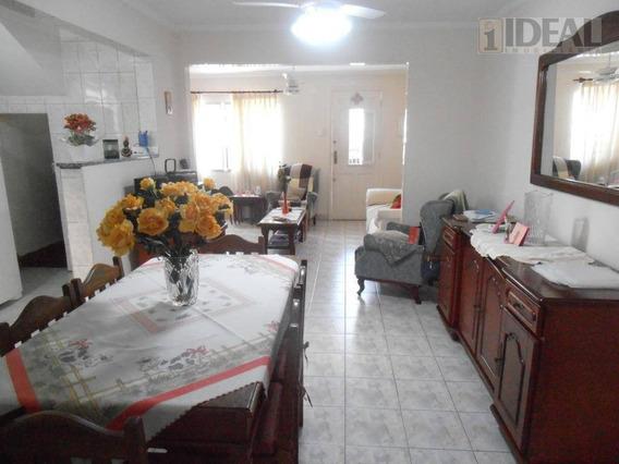 Sobrado Na Vila Belmiro Com 3 Dormitórios, 2 Suites, Closet, Edícula, Em Santos/sp - So0205