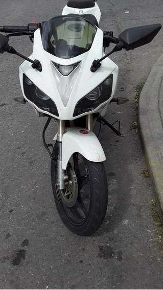 Moto R1 Color Blanco
