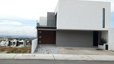 Venta De Exclusiva Casa Nueva En Lomas De Juriquilla