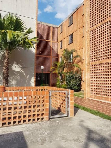Apartamento En Res. El Tulipán, San Diego. Cod: Lema-500