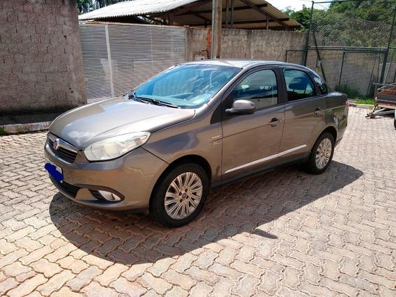 Fiat Grand Siena Essence 16 16v Dualogic Flex 2013
