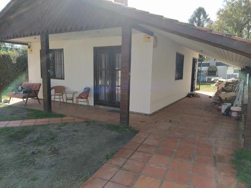 Casa De 3 Dormitorios Y 2 Baños. Dueña Vende