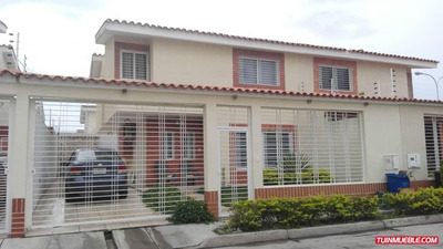 Townhouses En Venta 04143455606