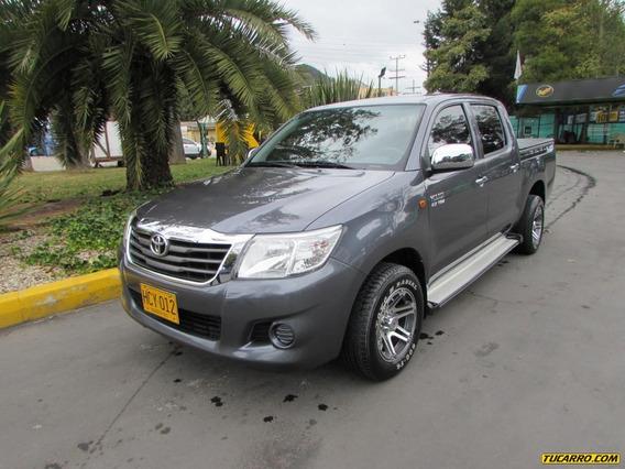 Toyota Hilux 2700 Mt