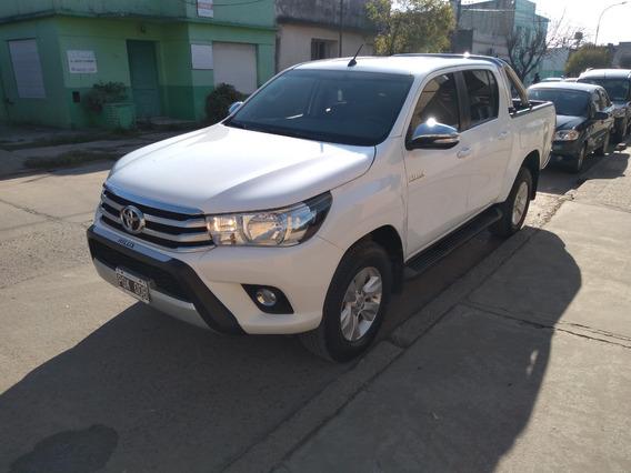 [merc] Toyota - Hilux 4x4 Cd Srv 6at 2.8 Tdi 2016