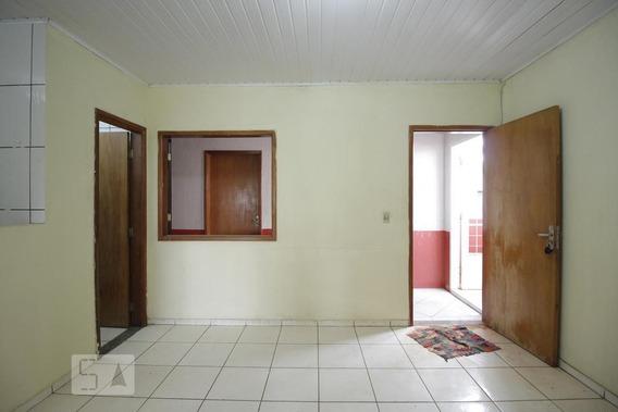 Apartamento No 1º Andar Com 2 Dormitórios E 1 Garagem - Id: 892967646 - 267646