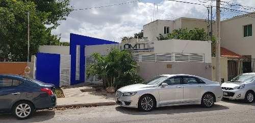 Oficina Equipada En Venta En El Fraccionamiento Bugambilias En Mérida, Yucatán