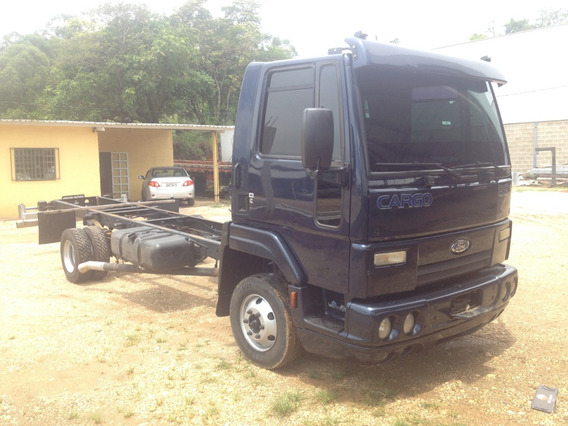 Ford Cargo 815 2011