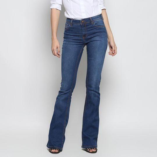 Jeans Flare Com Bolsos. - Azul. - Sommer - 38 Promoção!