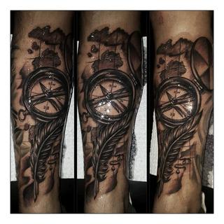 Estudio De Tatuajes Y Piercing Tattoo Tatuar Profesionales