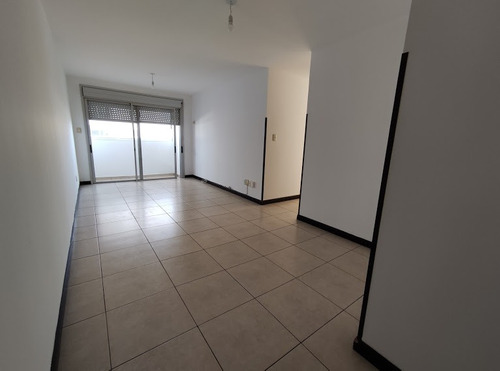 Dueño Vende, Apartamento Impecable; 2 Dormitorios