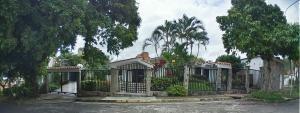 Casa En Venta Lomas Del Este Valencia 20-4464 Dam