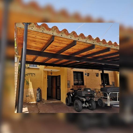 Townhouse En El Rincon. Residencia Villa Iñaki.04125038440