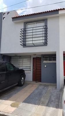 Casa En Venta En Zapopan, Jalisco, Guadalajara