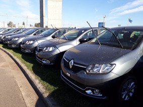 Renault Sandero 1.6 Privilege $250000 Car One