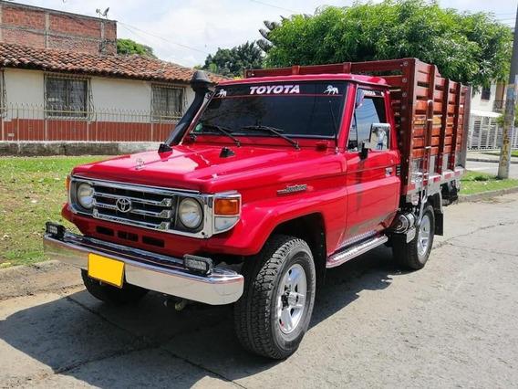 Toyota Land Cruiser Est 4500cc 4x4