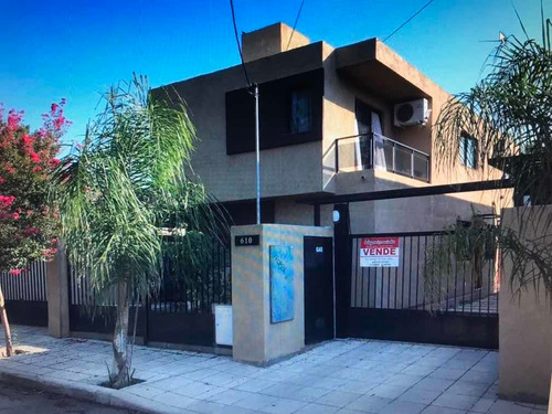 Imagen 1 de 14 de Duplex Al Frente Con Cochera Gas Natural Y Cloacas