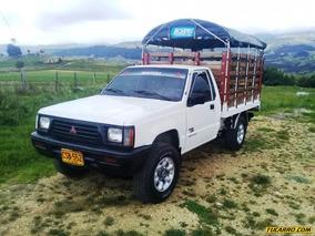 Mitsubishi L200 2.4l Mt 2400cc 4x4 Est