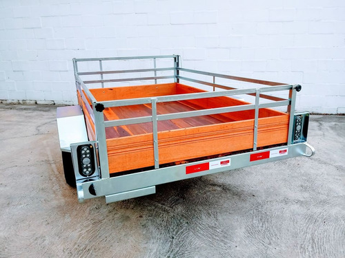 Carretinha Reboque Carreta Completa 1,20 X 2m Com Assoalho