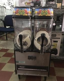 Maquina De Jugos Frozzen (usado)