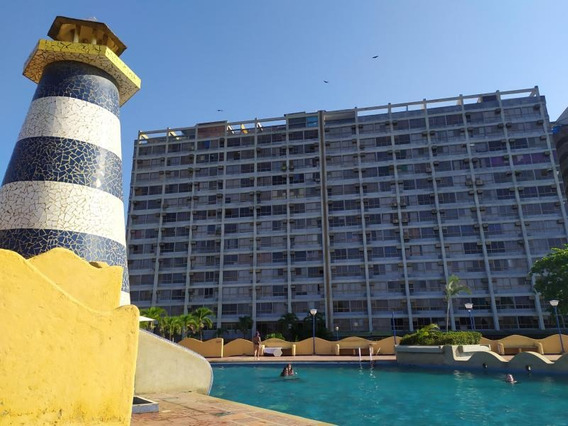 Cod: 20-3414 Se Vende Apartamento En Higuerote Ref.: 10.5