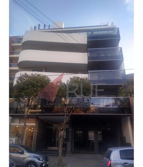 Departamento De Categoría En Venta De 2 Dormitorios C/cochera En Edificio Balcones 9 General Paz