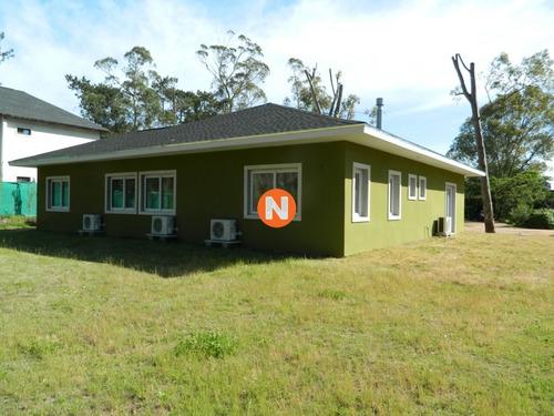 Casa En Venta, Alborada, Punta Del Este, 3 Dormitorios.- Ref: 209832