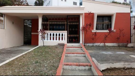 Preciosa Casa En Residencial Don Gregorio, Km15 Aut Duarte,