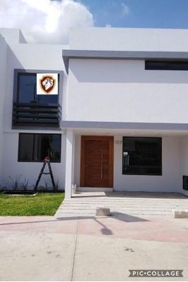 Residencia En Renta Nueva, 4 Recamaras Solares Guadalajara