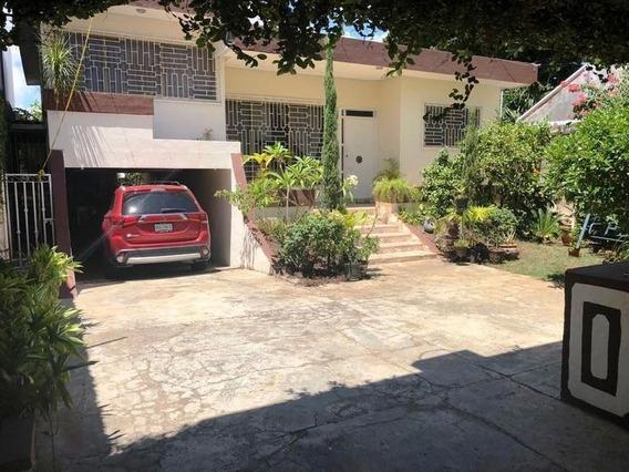 Casa En Venta 4 Recamaras Y Con 2 Locales Comerciales Y 3 Oficinas Cancùn Centro
