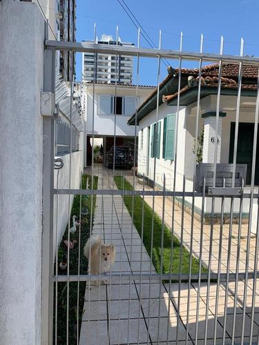 Casa A Venda Com 6 Quartos No Bairro Balneario Do Estreito Em Florianopolis. - V-81271