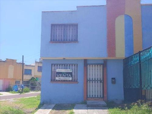 Casa Sola En Venta Fracc Laureles Erendira