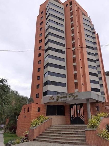 Apartamento En Alquiler En Las Chimeneas Res.garden Plaza