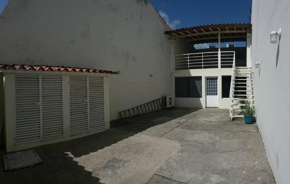 Casa En Venta Independencia 20-1833 Rbw