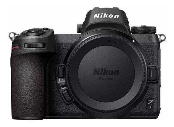 Nikon Z7 mirrorless preta
